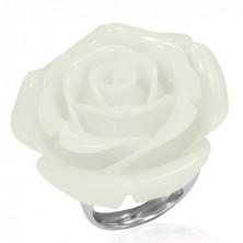 Nemesacél gyűrű - kinyílt fehér gyanta rózsa